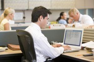 Movimenti e posture ergonomiche al lavoro